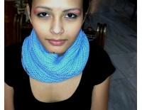 Braga de cuello azul celeste